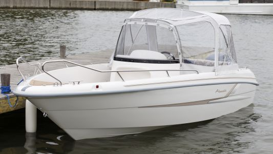 Yamarin 61 Center Console